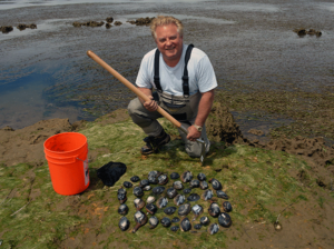 Ken Axt Clamming